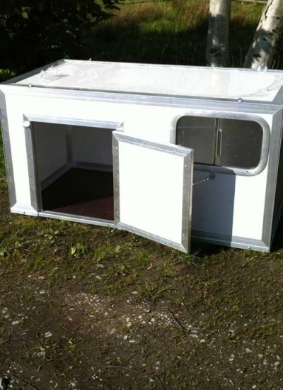 plastic-thermal-dog-cabin-large