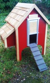 wooden-chicken-house-8-hens-apple-red