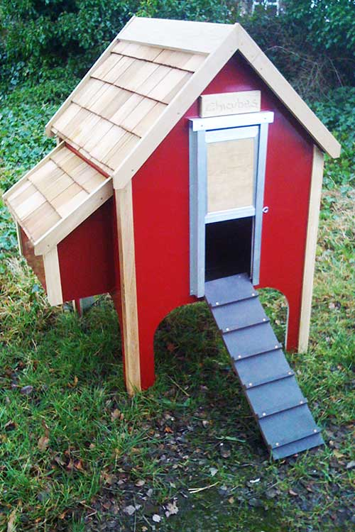 Chicubes wooden chicken house for 8 hens apple red chicubes for Chicken coop for 8 10 chickens
