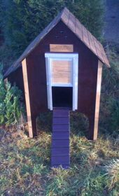 wooden-chicken-house-8-hens-brown